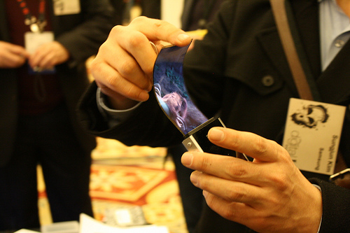 Graphene flexible OLED and AMOLED display will come soon in many mobiles